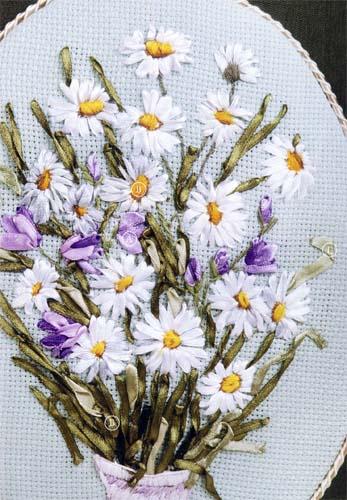 Вышивка лентами: Ромашки и