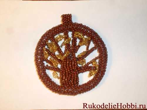 Плетём из бисера медальон