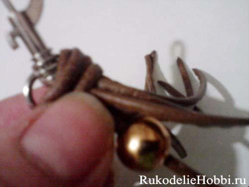 http://rukodeliehobbi.ru/images/mim_hobby/pleten_brelok5.jpg